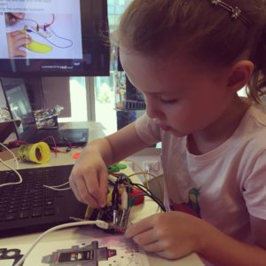 Figuring out circuits. Fantastic activities for kids at #QUT Cube this summer